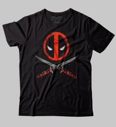 Camiseta Deadpool Facas